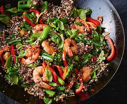 Quinoa, verdure e gamberetti