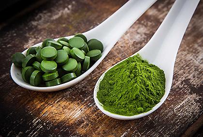 Alga Spirulina, benefici per la salute, integrazione vitamina b12