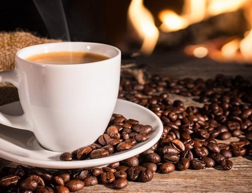 Caffè e caffeina: gusto, benefici e rischi