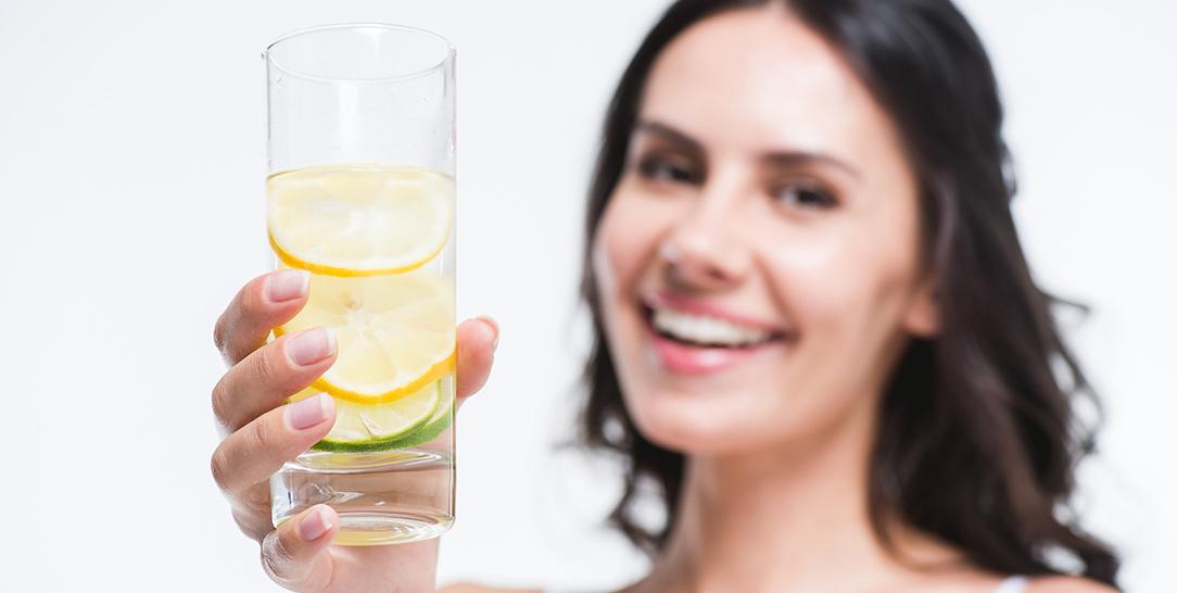 Dieta detox e diete detossificanti, i pericoli e l'inutilità delle diete pop per disintossicare il corpo