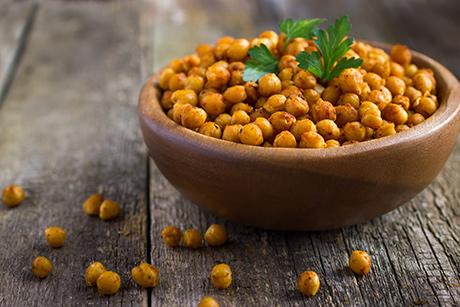 Mangiate nutrienti e non cibo: il rischio di eliminare cibi soltanto perché contengono un alimento erroneamente ritenuto dannoso