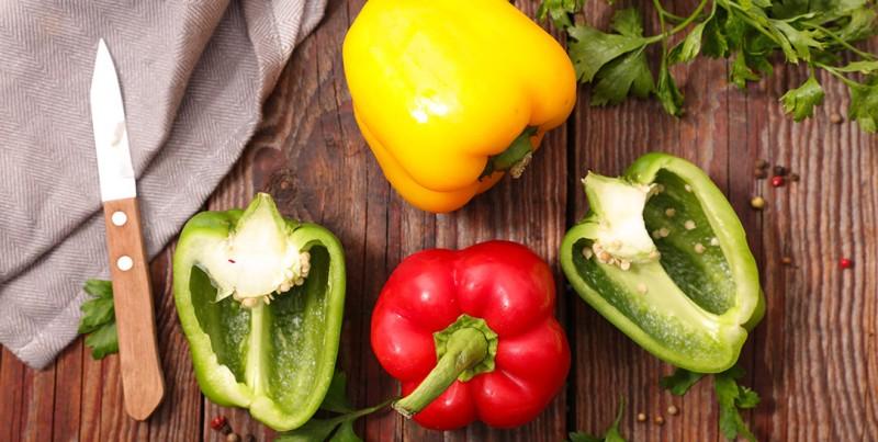 Le proprietà nutritive e i valori nutrizionali dei peperoni dolci, i benefici per la salute e gli usi in cucina
