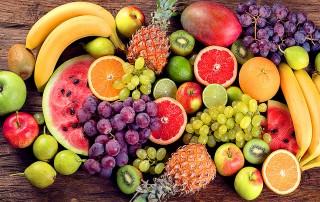 Gli zuccheri della frutta fanno male? Una analisi degli studi che mostrano come il consumo di frutta abbia effetti positivi per la salute
