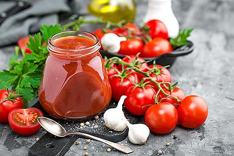 Le proprietà nutiritive del pomodoro, i benefici per la salute del licopene